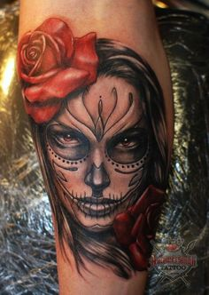 ~Sugar Skull Girl~ So freak in' awesome! Sugar Skull Mädchen, Sugar Skull Girl Tattoo, Bild Tattoos, Love Tattoos, Mexican Skull Tattoos, Day Of Dead Tattoo, Tattoos Lindas, Catrina Tattoo, Sick Tattoo