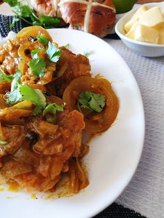 There are some recipes that cannot be altered into something of this food era. This tradional South African pickled fish recipe is absolutely one of them, South African Pickled Fish Recipe, South African Recipes, Ethnic Recipes, Oven Chicken Recipes, Dutch Oven Recipes, Fish Recipes, Masala Curry, Jamaican Recipes