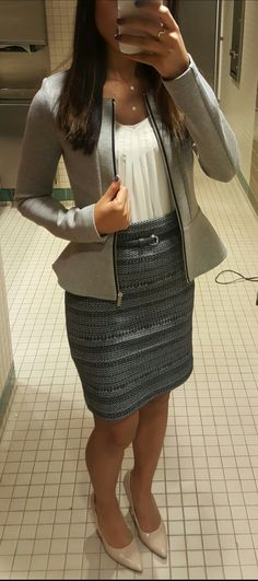 Business casual work attire - Outfits for Work - Business Attire Business Professional Outfits, Professional Wardrobe, Professional Dresses, Business Casual Outfits, Work Wardrobe, Business Attire, Business Fashion, Business Formal, Wardrobe Basics