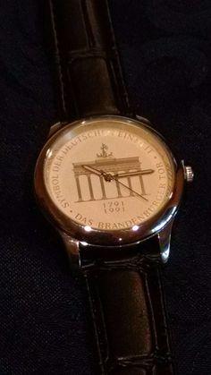 "Herrenarmbanduhr ""200 Jahre Brandenburger Tor"" Watch with Black Leather Band"