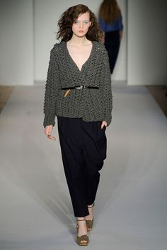 A Détacher Fall 2010 Ready-to-Wear Fashion Show - Irina Vodolazova