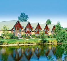 Het viersterrenvakantiepark Eurostrand Fintel staat garant voor veel plezier en een onvergetelijke vakantie. Je verblijft op basis van all inclusive waar naast heerlijke maaltijden, gebruik van wellnessfaciliteiten en animatie ook een aantal excursies bij inbegrepen zijn. Het park is gelegen aan een meer met zandstrand en er lopen verschillende routes vanaf het park. Het park ligt midden op de Lüneburger Heide, een van de meest unieke natuurlandschappen in Europa. Officiële categorie ****