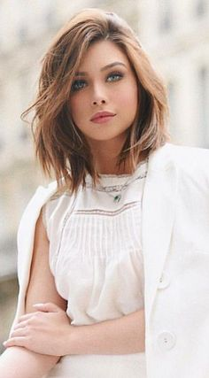 You might believe that short hair cannot fit nicely along with round face shape. Women who have a round face usually avoid trying short haircuts. However, we have delivered the Best of Layered Short Hair for Round Face which will… Continue Reading → Hair For Round Face Shape, Short Hair Styles For Round Faces, Short Hair With Layers, Hairstyles For Round Faces, Curly Hair Styles, Round Face Haircuts Medium, Short Bob Round Face, Hairstyles Pictures, Chin Length Hair Styles For Women