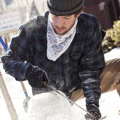 Fire & Ice Festival 2014 - They're still carving.  Put on your hat & coat and GO!