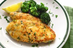 Forget fried chicken! Try this Crispy Oven-Baked Chicken at just 238 calories instead. #recipe #dinner