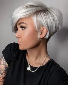 Short Platinum Blonde Hair, Short Grey Hair, Ash Blonde Hair, Short Hair Cuts For Women, Short Hair Styles, Pixie Hairstyles, Cool Hairstyles, Pixie Haircuts, Pixie Haircut For Thick Hair