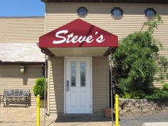 STEVE'S SIZZLIN' STEAKS   CARLSTADT, NJ     Go to hit his hole in the wall - especially en route to meadowlands. Replicate at home by sautéing mushrooms in butter and Maggie sauce (aka Steve's special sauce)