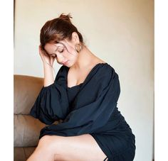 Teen Actresses, Indian Actresses, Stylish Girls Photos, Girl Photos, Aishwarya Rai Photo, Hourglass Dress, Girls In Mini Skirts, Bollywood Girls, Hair Color Dark