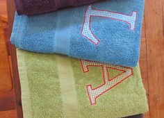 Appliqued bath towels for christmas gifts