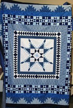 Made for the Pine Belt Quilter's 2008 Challenge - Two Color Quilts Lone Star Quilt, Star Quilt Blocks, Star Quilts, Two Color Quilts, Blue Quilts, Winter Quilts, Quilt Border, Panel Quilts, Quilt Making