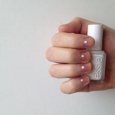 minimalist nails //