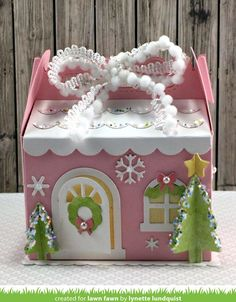 - Lawn Fawn - Lynette's Pastel Winter House Scalloped Treat Box! Christmas Paper Crafts, Christmas Gift Box, Winter Christmas, Holiday Crafts, Xmas, Picnic Box, Lawn Fawn Blog, Candy House, Gable Boxes