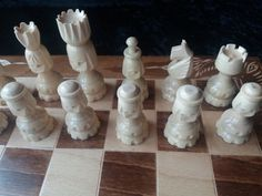 New special handcarved face hazel wood chess piece,flower handcarving beech wood 44x44 chessboard box,wooden chess set,backgammon,checkers