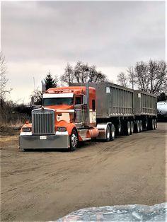 WOW! I love this paint job! Truck paint jobs, Big trucks