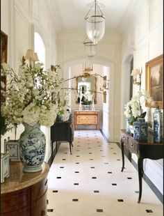 One enchanted evening. - The Enchanted Home One enchanted evening…. – The Enchanted Home Design Entrée, Flur Design, House Design, Vintage Interior Design, Interior Design Kitchen, Interior And Exterior, Exterior Design, Enchanted Home, Enchanted Evening