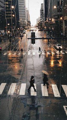 Wallpaper Paysage urbain, photographie d& ville sous la pluie , Phone Backgrounds, Wallpaper Backgrounds, Rainy Wallpaper Iphone, Walpaper Iphone, Rainy City, Beautiful Places, Beautiful Pictures, City Photography, Photography Ideas