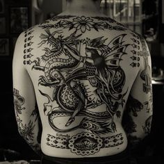 Blackwork Dragon Tattoo by Rich Hardy blackworkdragon blackwork AmericanTraditional traditionalblackwork RichHardy Back Piece Tattoo, Back Tattoos, Great Tattoos, Body Art Tattoos, Xoil Tattoos, Awesome Tattoos, Traditional Tattoo Placement, Traditional Tattoo Back Piece, Traditional Tattoos