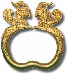 Ancient bracelet, Achaemenid period, c. 500 BCE, Iran. A short story about the history of bracelets.