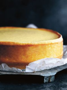 A basic baked ricotta cheesecake is a necessity! A basic baked ricotta cheesecake is a necessity! Raspberry Swirl Cheesecake, Lemon Meringue Cheesecake, Lemon Cheesecake Recipes, Basic Cheesecake, Homemade Cheesecake, Ricotta Cheese Cake Recipes, Italian Ricotta Cheesecake, Ricotta Dessert, Fig Recipes