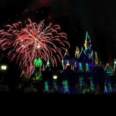 Some #fbf Halloween fireworks for #fireworkfriday and #fridaythe13th!  Can it be Halloween time yet?!? #spooky #halloween #halloweentime #mhp #mickeyshalloweenparty #disneyland #fireworksfriday #fireworks #longexposure #castle #grimgrinningghosts #ghosts #spoopy #disney #disneyfireworks by disneylovingnurse
