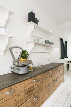 Jaren 20 huis in Amersfoort Wooden kitchen with an industrial look Kitchen Ikea, Rustic Kitchen Decor, Wooden Kitchen, Kitchen Furniture, New Kitchen, Kitchen Storage, Vintage Kitchen, Kitchen Cupboards, Furniture Stores