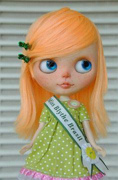 Miss Brazil se Mira Muy Bella