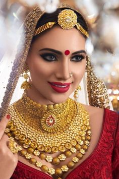 52 new Ideas for wedding planner outfit style fashion Indian Wedding Makeup, Indian Wedding Jewelry, Desi Wedding, Wedding Poses, Wedding Engagement, Beautiful Indian Brides, Beautiful Bride, Bridal Necklace, Bridal Jewelry
