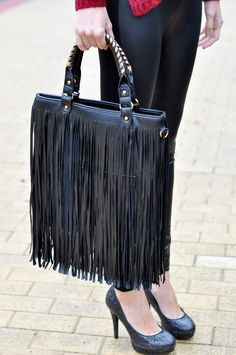 Purse -it's almost identical to my Steve Madden handbag!!!