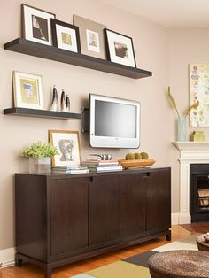 8 Noble ideas: Floating Shelf For Tv Small Spaces black floating shelf tv stands.Floating Shelf Office Diy Projects floating shelf for tv small spaces. Small Apartments, Small Spaces, Small Condo Decorating, Decorating Ideas, Home Remodeling, Home Renovation, Decor Around Tv, Muebles Living, Diy Casa