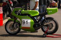 Kawasaki Triple 2 Stroke. Stunning!