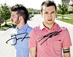 Twenty one pilots - signed poster Twenty One Pilots Sign, Pilot Band, Joshua William Dun, Tyler Joseph Josh Dun, Andy Black, Reasons To Live, Pierce The Veil, Staying Alive, My Chemical Romance