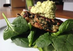 Kale-Quinoa-Fritters-Avocado-Sauce.png (650×455)