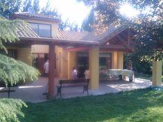 PERGOLAS Y QUINCHOS Backyard Kitchen, Backyard Patio, Blessed Mother, Patio Design, Bbq, Outdoor Decor, Home Decor, Gardens, Verandas