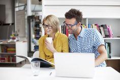 Advantages & Disadvantages of Online Magazines