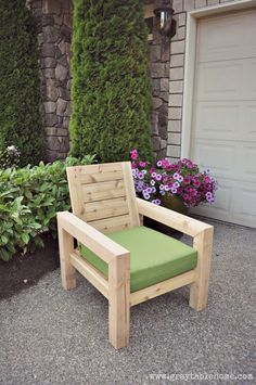 DIY Modern Rustic Outdoor Chair plans using outdoor cushions from Target. Rustic Outdoor Chairs, Diy Outdoor Furniture, Furniture Projects, Rustic Furniture, Diy Furniture, Outdoor Decor, Outdoor Cushions, Diy Projects, Outdoor Couch