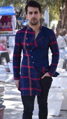 Pin adăugat de u are amazing pe mens fashion în 2019 indian Indian Men Fashion, Mens Fashion Wear, Fashion Moda, Dress Fashion, Womens Fashion, Kurta Pajama Men, Kurta Men, African Attire For Men, African Wear
