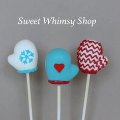 12 Cozy Mitten Cake Pops  for Winter Wonderland por SweetWhimsyShop