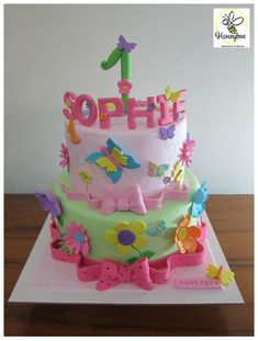 Mini Tortillas, Butterfly Cakes, Baby Flower, Facebook Sign Up, Trinidad, Bee, Birthday Cake, Flowers, Desserts