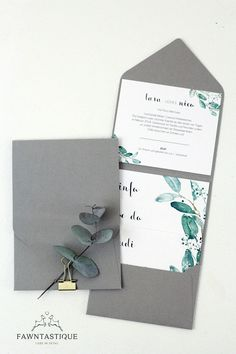 Pocketfolder wedding invitation with eucalyptus and gold elements