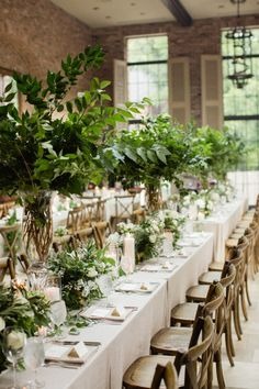 rustic elegant greenery gold tan wedding reception | Photography: Amy Cambell Photography