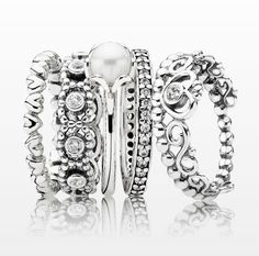 #PANDORACrabtreeLoves that you can never stack too many rings! #PANDORALoves