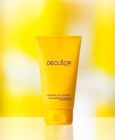 25.	Smoothe away wrinkles - Apply a thin layer of DECLÉOR Prolagene Gel before your usual mask to help firm skin.