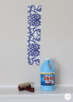 Are you loving the wallpaper trend but can't bring it into your home because you're a renter? Check out this renter-friendly wallpaper installation that is completely removable! Removable Wallpaper For Renters, How To Install Wallpaper, Temporary Wallpaper, Diy Wallpaper, Jesus Wallpaper, Home Decor Colors, Colorful Decor, Diy Home Decor Easy, Easy Diy