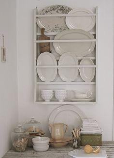vintage plate rack <3