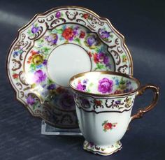 Garland Cup & Saucer by SCHUMANN/BAVARIA [Schgar], Scallop, Gold Decor, Floral Garland