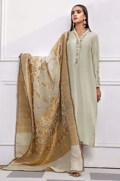 Beautiful Dress Designs, Beautiful Dresses, Green Fabric, Black Fabric, Designer Wear, Designer Dresses, Pakistan Fashion, Fabric Manipulation, White Outfits