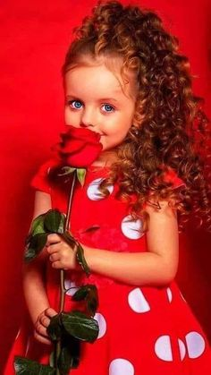Cute Little Baby Girl, Beautiful Little Girls, Beautiful Children, Most Beautiful Eyes, Beautiful Roses, Cherry Blossom Pictures, Parfum Rose, Beautiful Horse Pictures, Cute Kids Pics