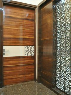 Benefits that you could derive by using the interior wood doors for your home or office. Door Design Interior, Main Door Design, Wooden Door Design, Entrance Design, Entrance Doors, Window Design, Interior Barn Doors, Wooden Doors, Slab Doors