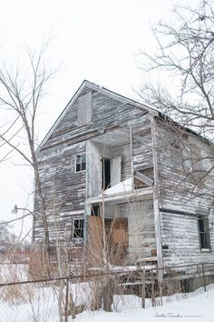 This Abandoned Detroit House is Getting a Seriously Unique Makeover  - CountryLiving.com