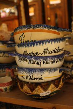 Bols bretons #BolsPrenom #faiencerie #HBHenriot #quimper  Chez Breizh Debarras, brocante dans les Cotes d'Armor Tableware, Bowls, Dinnerware, Tablewares, Dishes, Place Settings